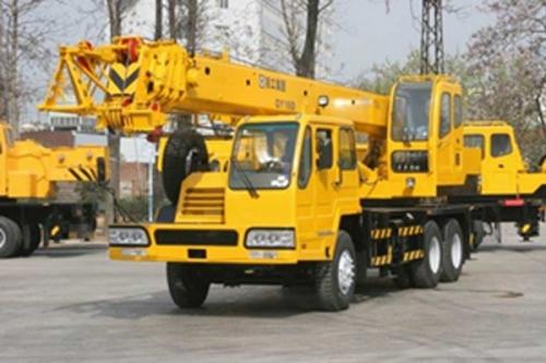 Кран самоходный колёсный QY16D 16тн