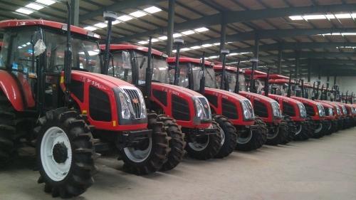 Henan QLN-1404 140 л.с. трактори