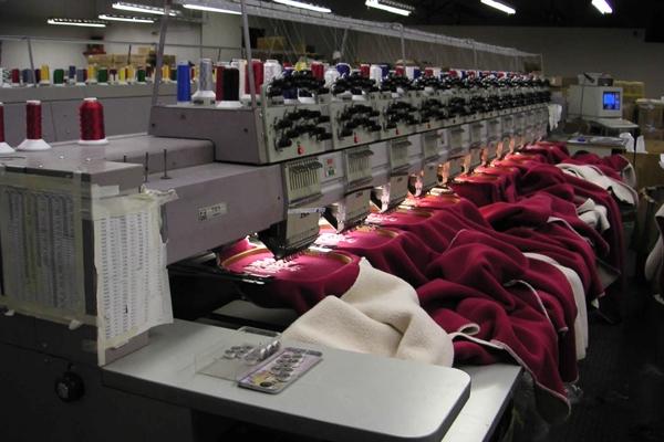 Промышленный вышивальный автомат